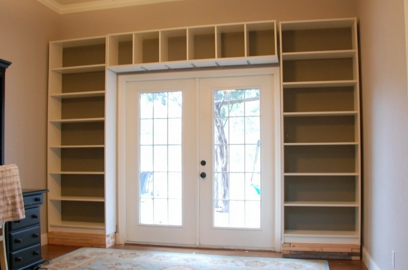 DIY Built in Shelves Bookcases 800 x 531