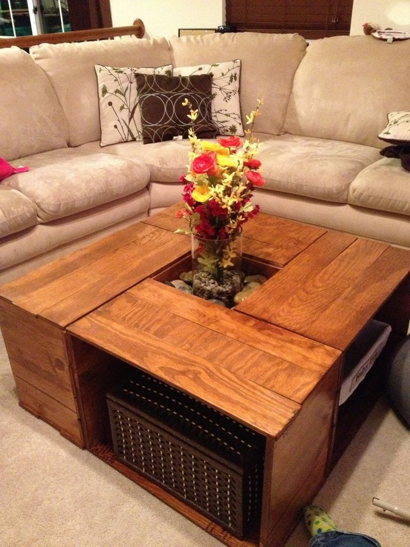 Diy crate coffee table the image kid for Vintage wine crate coffee table