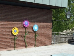 DIY Hubcap Flower