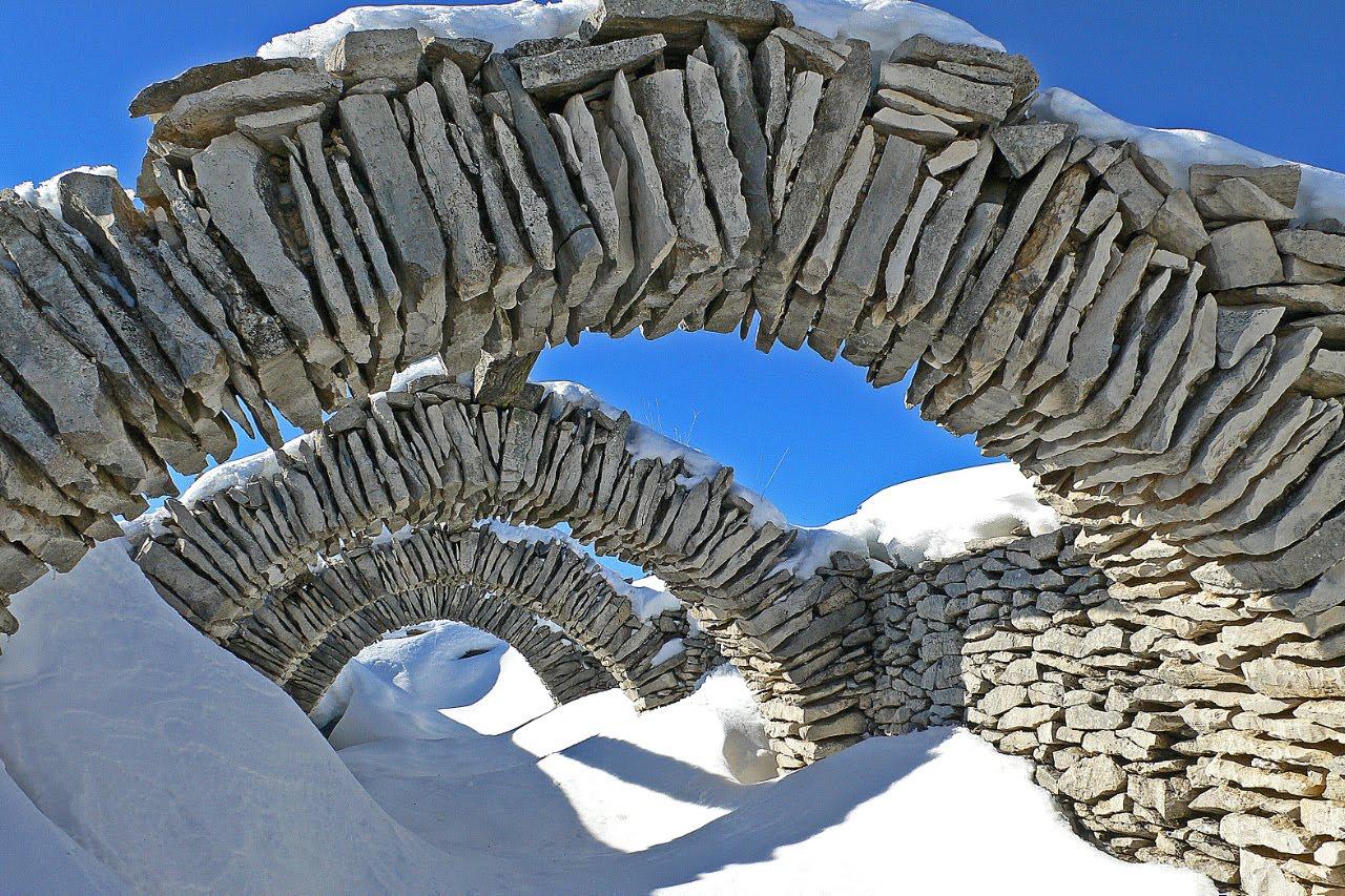 Vajarstvo-skulpture - Page 6 Sheep-shelter-snow