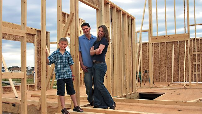 how to become a home builder