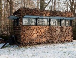 Log Cabin on Wheels - Windows Open