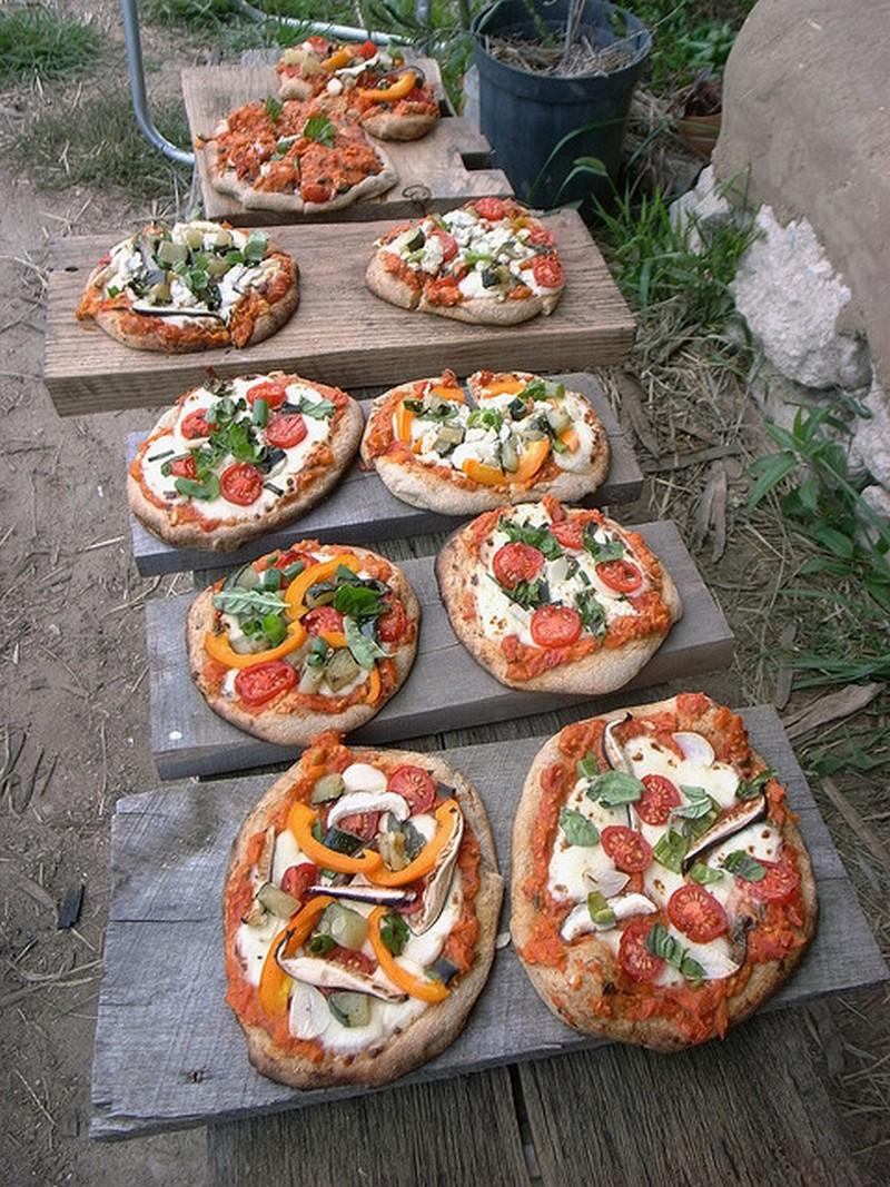 Diy cob pizza oven the owner builder network - Como se hace horno de lena ...