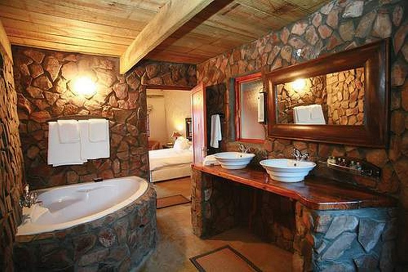 Rustic bathrooms the owner builder network for Bathroom designs rustic