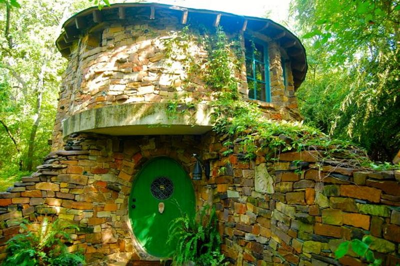 Hobbit homes the owner builder network for Hobbit style playhouse