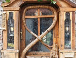 Here's another amazing door we thought was too good not to share.