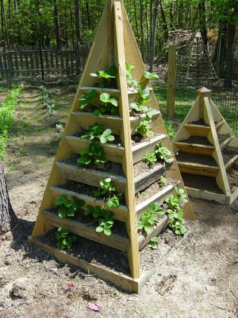 how to make a strawberry pyramid planter the owner builder network. Black Bedroom Furniture Sets. Home Design Ideas