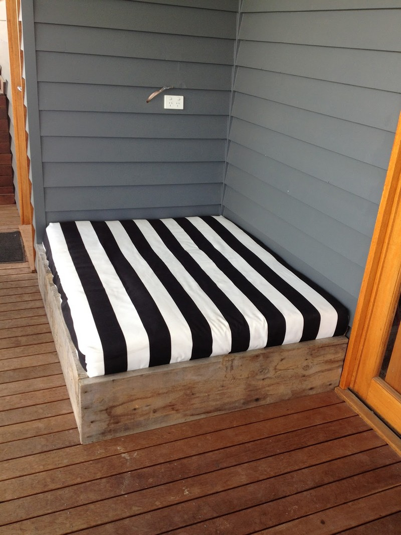 Easy Diy Daybed Mattress Cover : Make a day bed from reclaimed timber  The Owner-Builder Network
