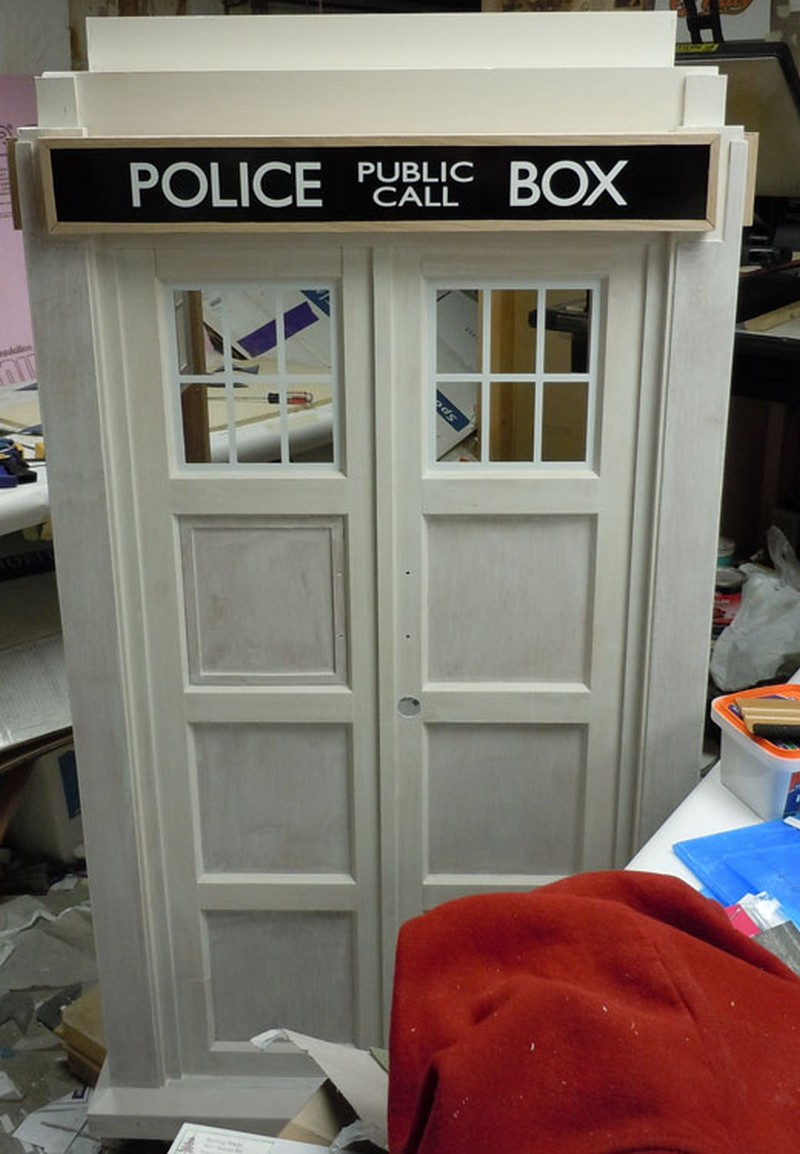 Doctor Who tardis cat fort   The Owner Builder NetworkDIY Tardis Cat Fort