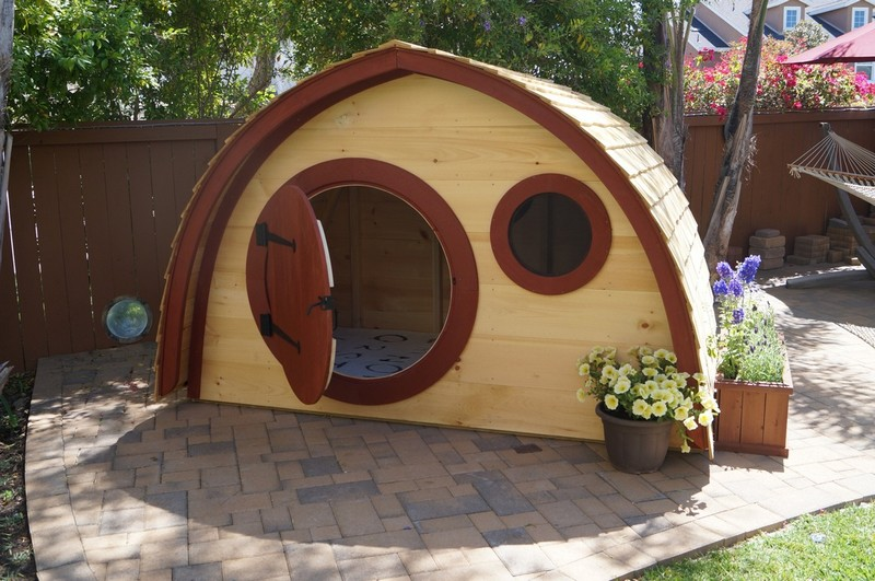 Hobbit Hole Playhouses | The Owner-Builder Network: theownerbuildernetwork.co/house-hunting/tiny-homes/hobbit-hole...