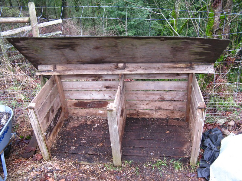 compost bin you can build yourself in one day the owner builder network. Black Bedroom Furniture Sets. Home Design Ideas