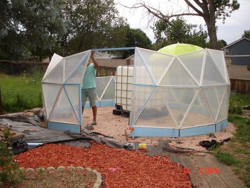 Geodesic dome greenhouse — benefits and how to the owner