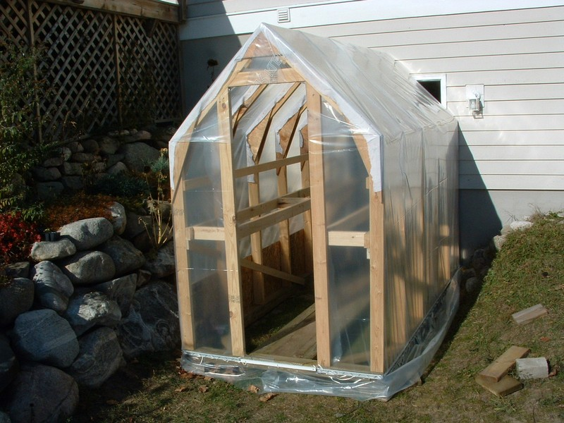 Homemade greenhouse the owner builder network for Easy to make greenhouse