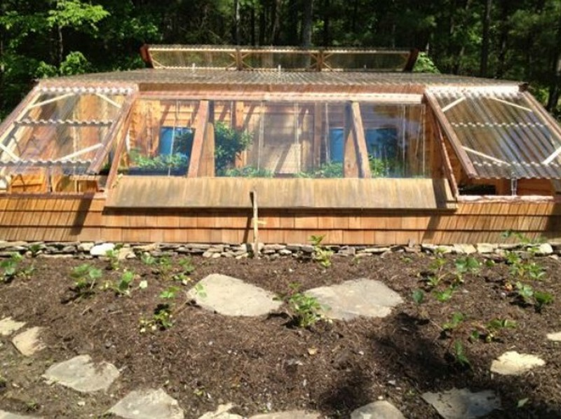 Earth sheltered greenhouse the owner builder network for How to build an earth sheltered home