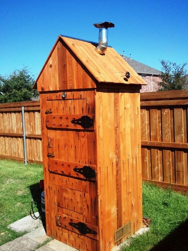 DIY Projects: How to Build a Cedar Smokehouse – Survival Online 101