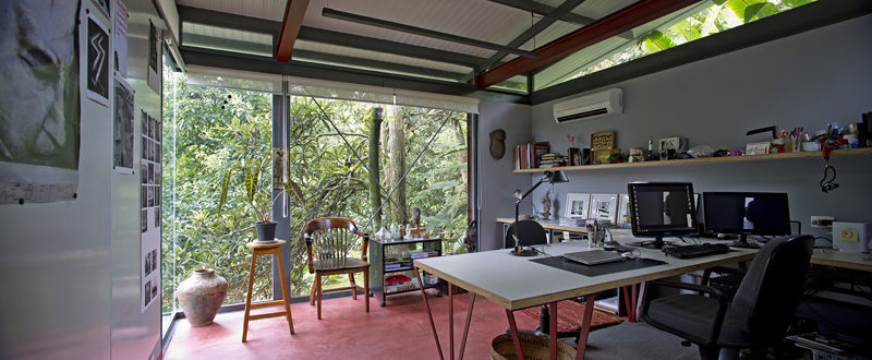 A workspace like this is one that will surely help you get creative.
