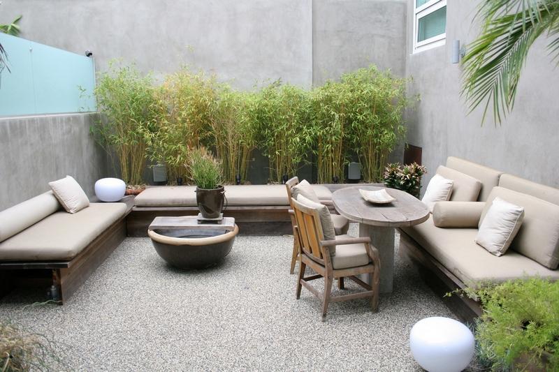 Contemporary Backyard Furniture : Modern Courtyard and Outdoor Furniture
