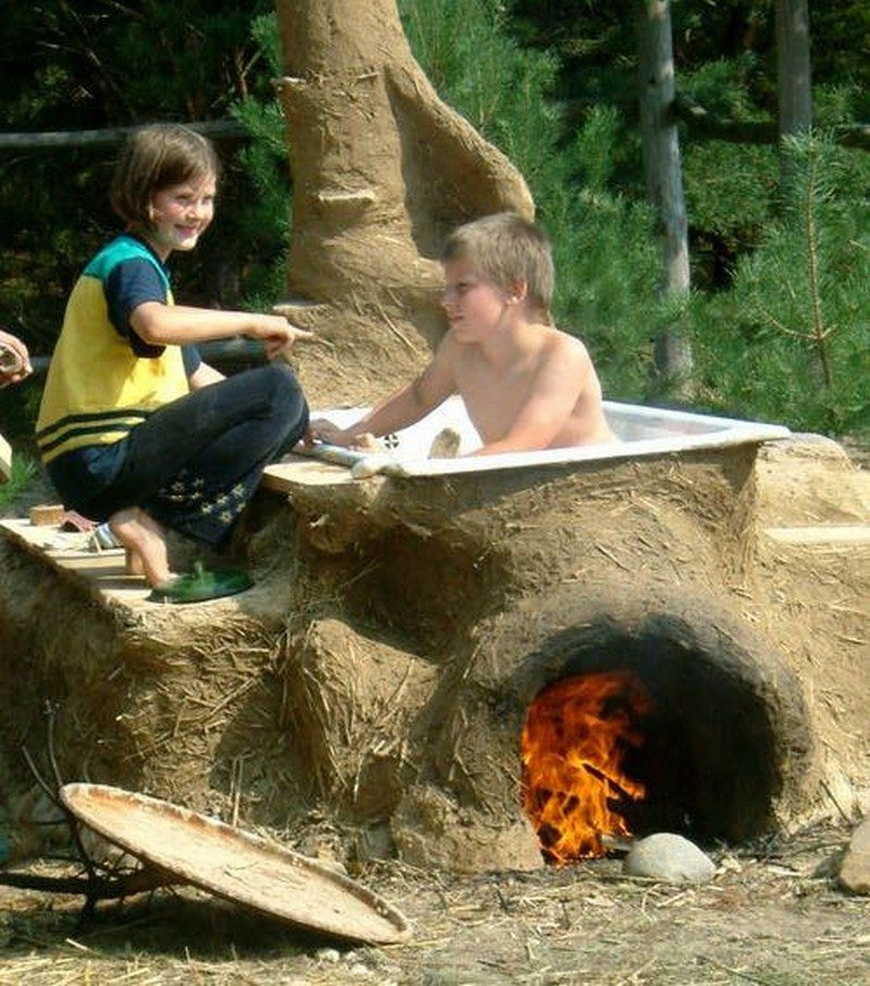 These Smashing Backyard Ideas Are Hot And Happening: Sizzling Outdoor Hot Tubs That Will Make You Want To