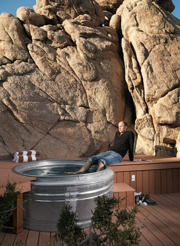 Tiny Home Designs: Sizzling Outdoor Hot Tubs That Will Make You Want To