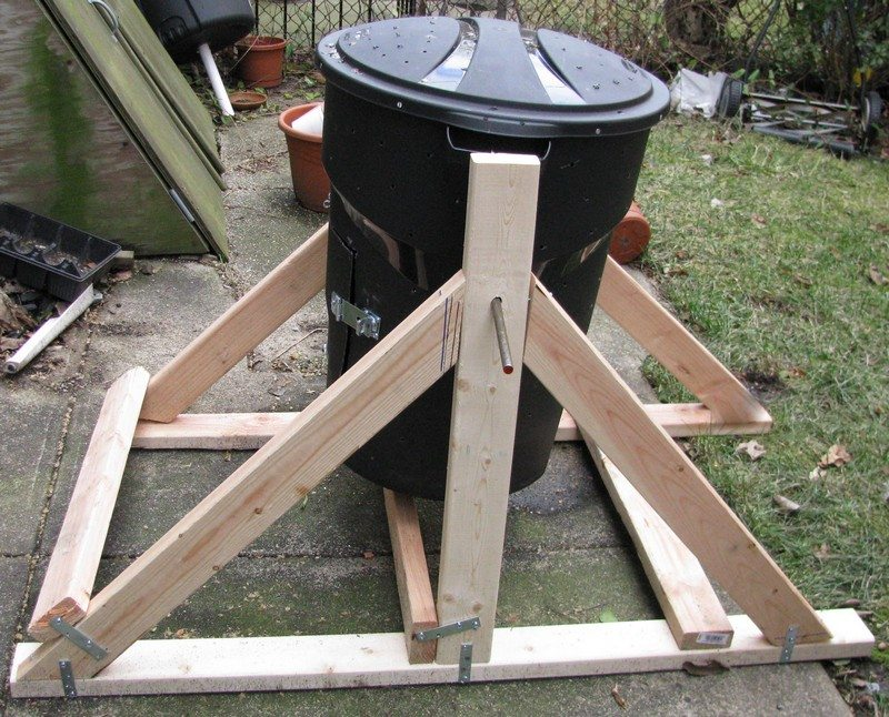 Diy compost bin ideas 07 the owner builder network for Diy dustbin ideas