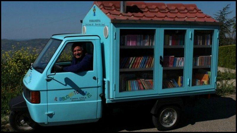 Antonio La Cava's Mobile Library