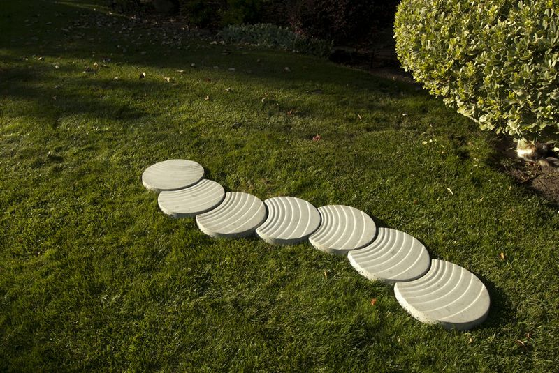 How-To-Make Stepping Stones - Instructables