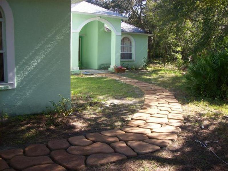 Stepping Stone Path DIY - TaDeGe