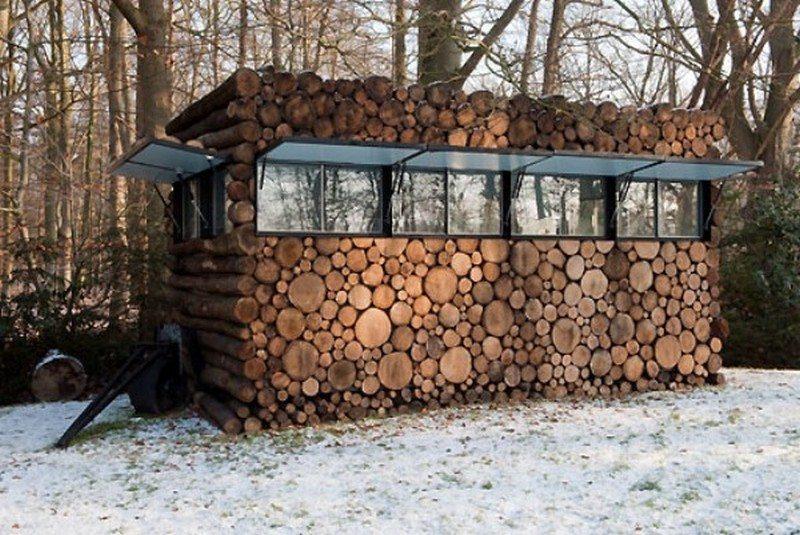 Log Cabin on Wheels - Windows Open