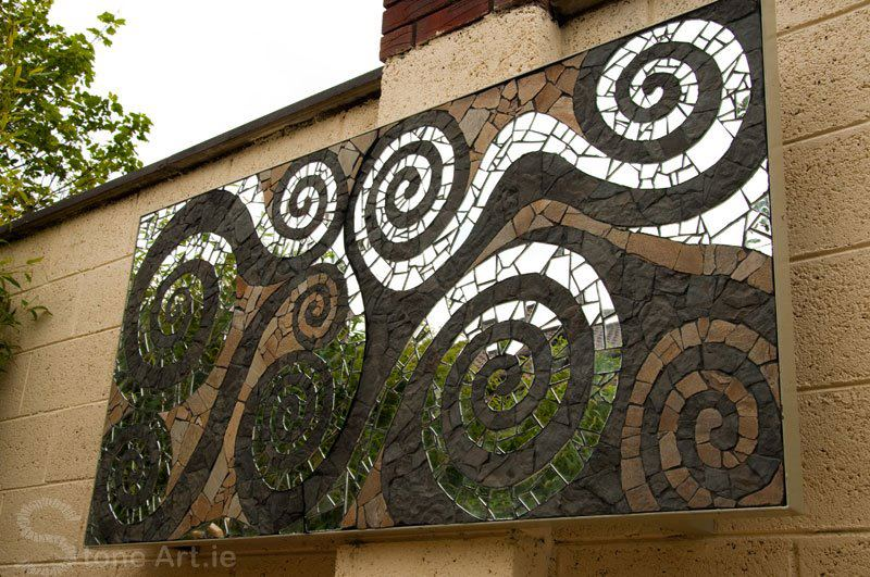 The same mosaic. Sunny has used quartzite and sandstone to create this masterpiece.