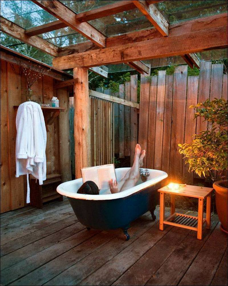 cleansing the soul outdoor baths and showers the owner builder network. Black Bedroom Furniture Sets. Home Design Ideas