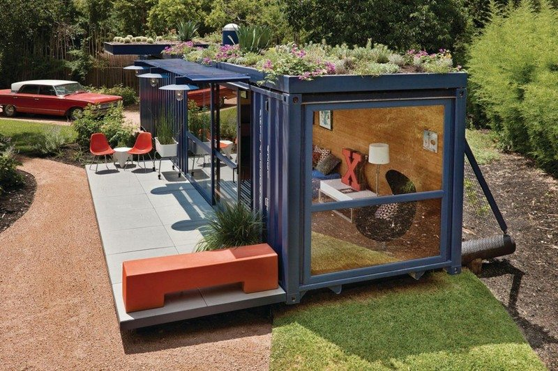 The living roof provides another level of insulation while greatly softening the lines of the container.