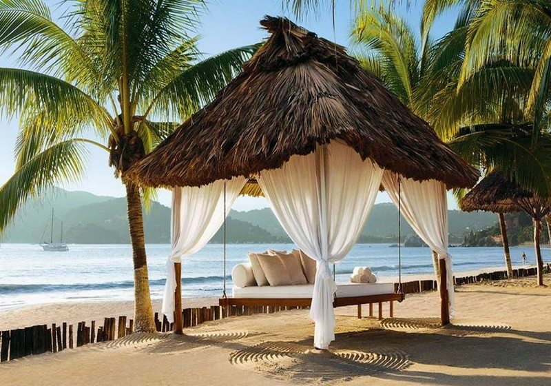 Swing bed in Zihuatanejo, Mexico.