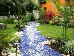 Want a water feature without the water? Then a dry creek bed garden might be for you.