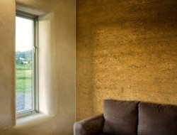 Rammed earth meets straw bale