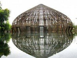 The bamboo framework shows the extraordinary flexibility that nature provides in it's most sustainable product.