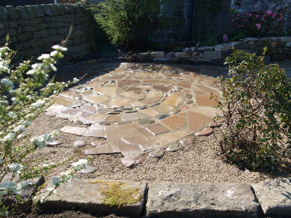 Vortex patio, broken Indian flagstone and cobbles