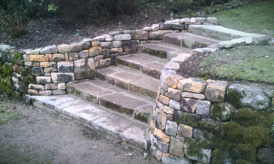Random sweeping curved drystone steps
