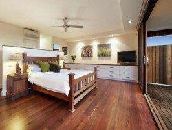 some lovely hardwood floors,