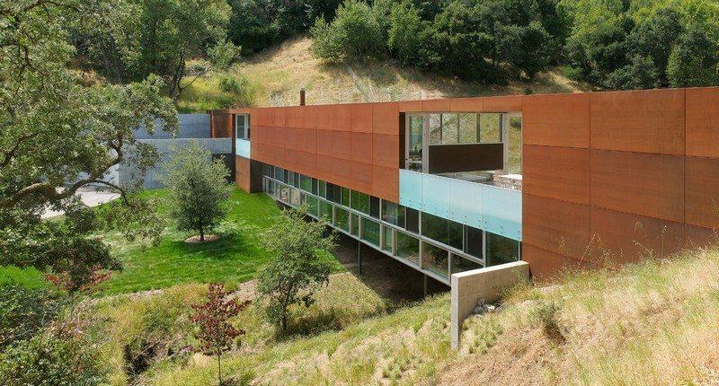 The Bridge House - California, USA