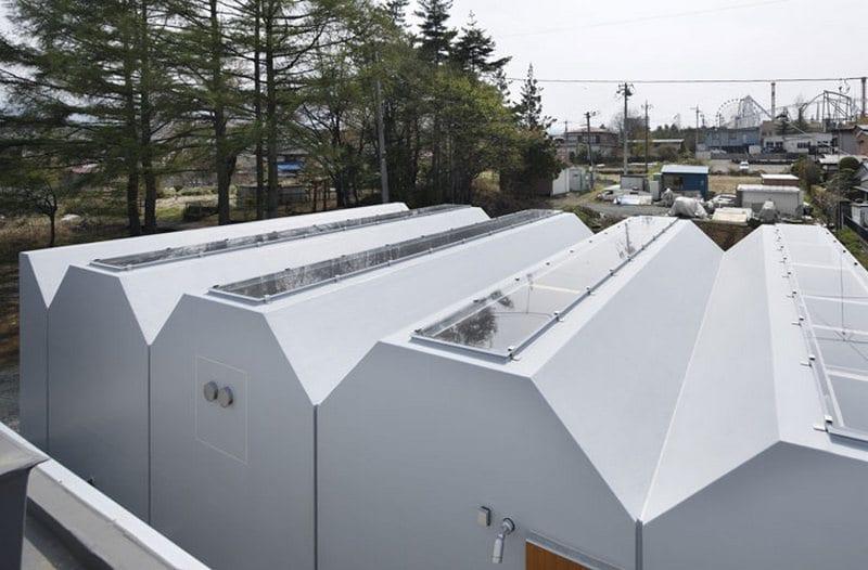 Outside In House - Takeshi Hosaka Architects