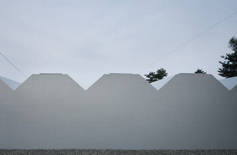 Outside In House - Takeshi Hosaka Architects