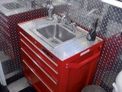A sink made from a rolling toolbox! Could your workshop use one?