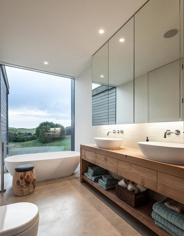 Bath with a view by Urban Angles