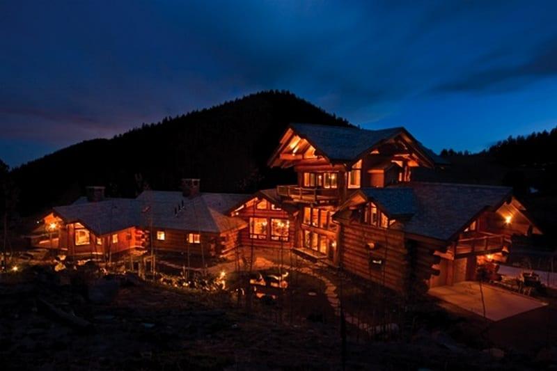 Amazing Log Home - Exterior View