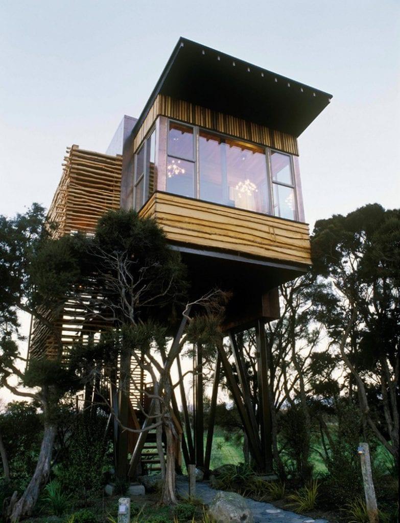 Tree House - Hapuku Lodge - http://www.hapukulodge.com/kaikoura/