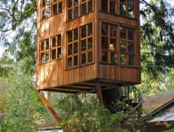 Treehouse Point by Trillium - http://www.treehousepoint.com/treehouses-trillium.html