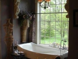 What do you think of this bathroom? We have a very definite opinion but we'd prefer you to start the ball rolling :-)