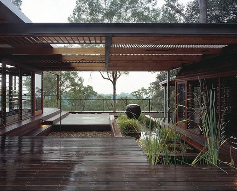 The entry courtyard - Bowen Mountain Hosuse -New South Wales, Australia