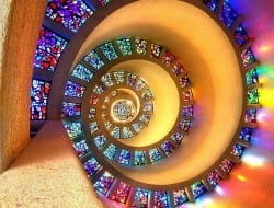 How lovely is this??? It's in the Thanksgiving Square Chapel in Dallas Texas. The photo was taken by John Galbo.