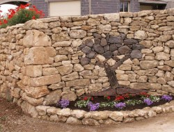 What do you think of this dry stone wall by Alain Mathieu and Manuel Borralho?